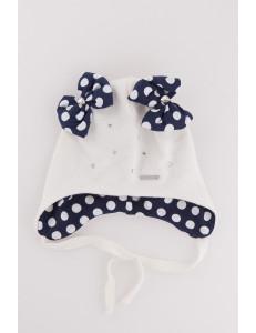 """Шапка для девочки демисезонная белого цвета  с завязками """"Красотуля"""""""